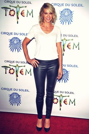 Jenna Elfman attends Opening night of Cirque du Soleil