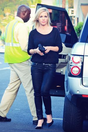 Jennie Garth at Fire Fly restaurant