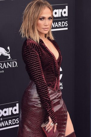 Jennifer Lopez attends 2018 Billboard Music Awards