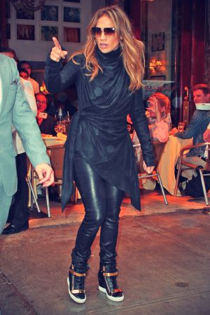 Jennifer Lopez lunch at downtown Cipriani