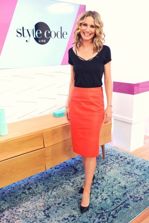 Jennifer Nettles appears on Amazon Style Code Live