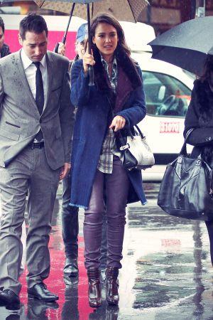 Jessica Alba strolling in Paris