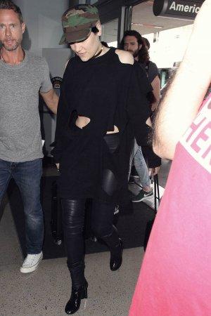 Jessie J arrives at LAX