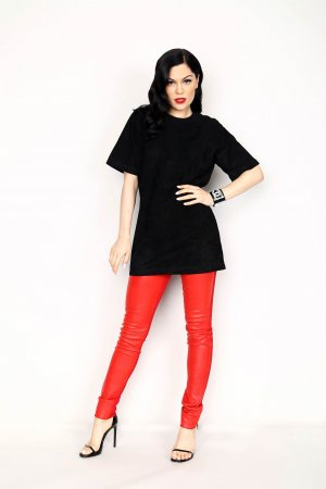 Jessie J portrait for 93.3 FLZ's Jingle Ball
