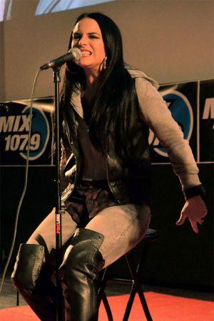 Joanna Levesque performing at Megaplex 17