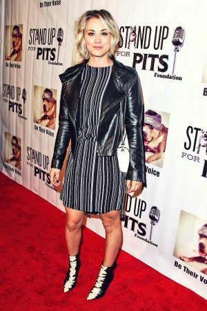 Kaley Cuoco stand Up For Pits Comedy Benefit