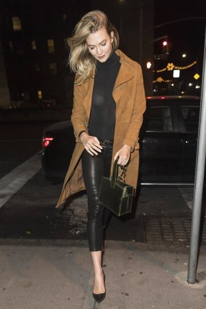 Karlie Kloss arriving at the wrong restaurant