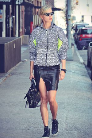 Karolina Kurkova runs errands in Tribeca NYC