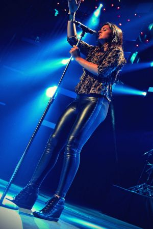 Kat Dahlia performs onstage at Festival People en Espanol 2013