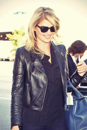 Kate Upton at LAX  in Los Angeles