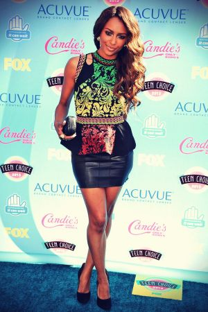 Katerina Graham attends 2013 Teen Choice Awards