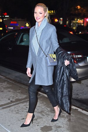 Katherine Heigl returns to her hotel in New York City