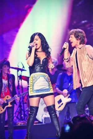 Katy Perry performing on stage whith the Rolling Stones