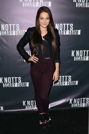Kelli Berglund attends Knotts Scary Farm Opening