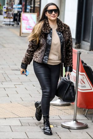 Kelly Brook arriving at the Global Radio Studios