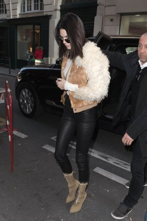 Kendall Jenner attends the Givenchy Menswear Fall/Winter 2017-2018 show