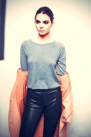 Kendall Jenner photoshooting Diane von Furstenberg
