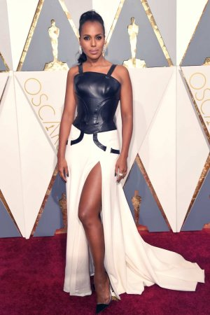 Kerry Washington attends 88th Annual Academy Awards