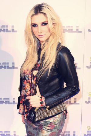 Kesha Sebert attends 93.3 FLZ's Jingle Ball 2012