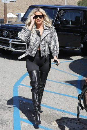 Khloe Kardashian lunch at Malibu Farm Pier Cafe