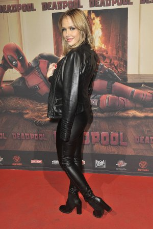 Kim Gloss attends the premiere of Deadpool