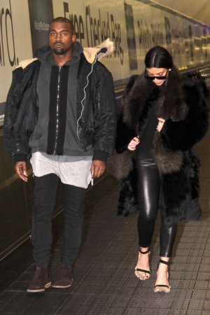 Kim Kardashian arriving at Washington Dulles International Airport