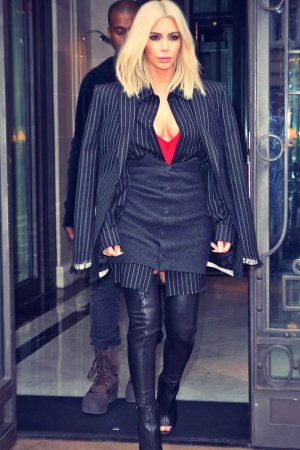 Kim Kardashian shopping in Paris