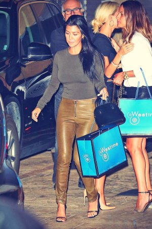 Kourtney Kardashian at Nobu restaurant