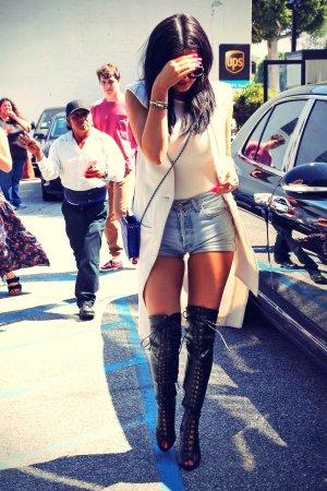 Kylie Jenner arriving at XIV Karats