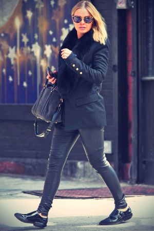 Lara Bingle Shops in NYC