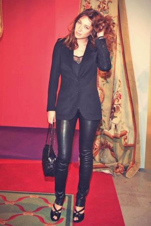 Laura Smet leather mix