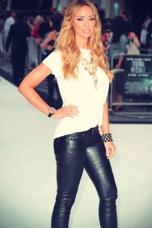 Lauren Pope at Premiere of Total Recall