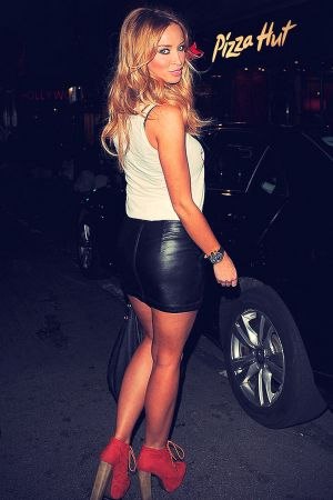 Lauren Pope leaving Tiger Tiger Bar in Picadilly Circus