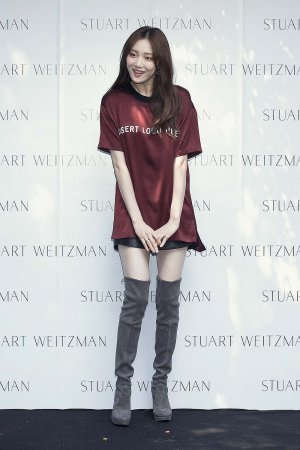 Lee Sung-Kyung attends the STUART WEITZMAN 2016 FW Presentation