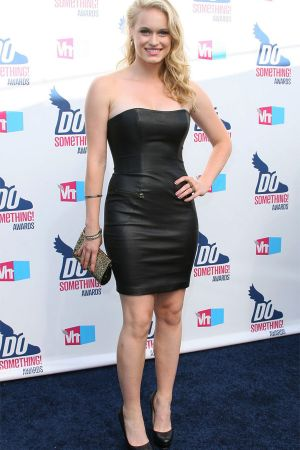 Leven Rambin  at VH1 Do Something Awards