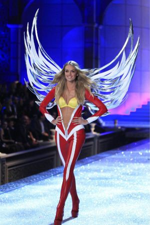 Lindsay Ellingson Victorias Secret Fashion Show