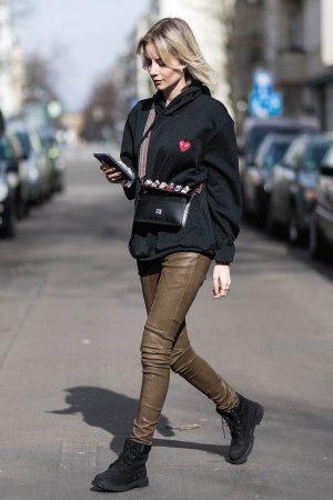 Lisa Hahnbueck street style in Berlin