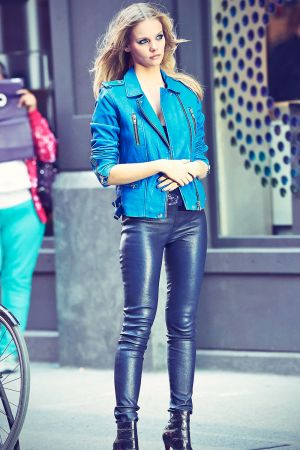 Marloes Horst photoshoot for Maybelline in Soho