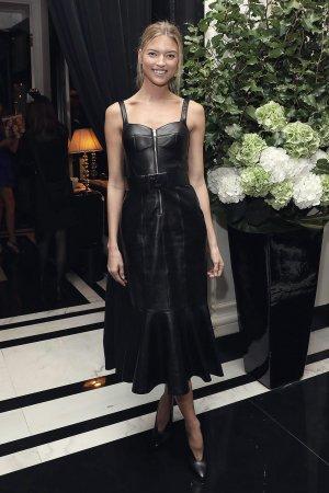 Martha Hunt at the T&C Modern Swans dinner S/S18