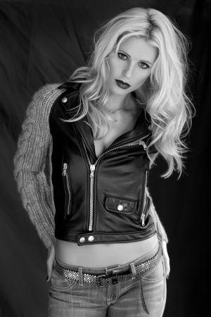 Michelle Hunziker - Studio Photoshoot