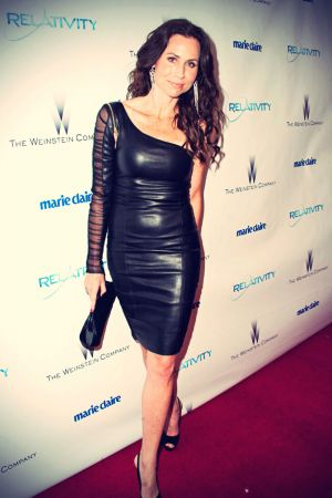 Minnie Driver arrives at the 2011 InStyle And Warner Bros