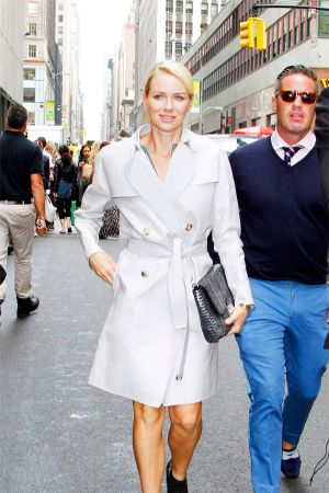 Naomi Watts goes for a stroll to attend the Calvin Klein Fashion Show