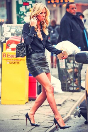 Nicky Hilton catching a cab in New York City