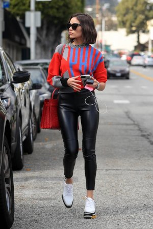 Olivia Culpo leaves the hair salon