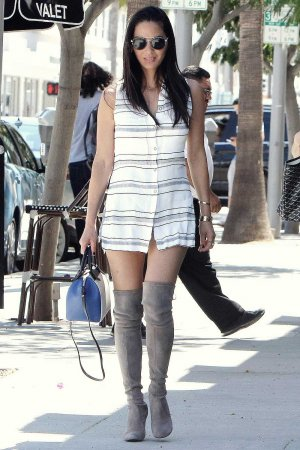 Olivia Munn out for lunch in Beverly Hills