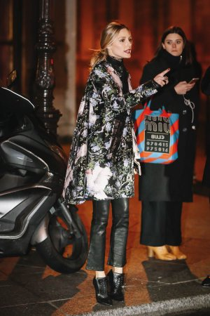 Olivia Palermo attends the Giambattista Valli Haute Couture Spring Summer 2017 show