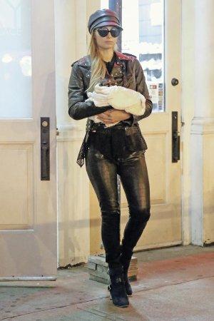 Paris Hilton leaves her apartment in New York