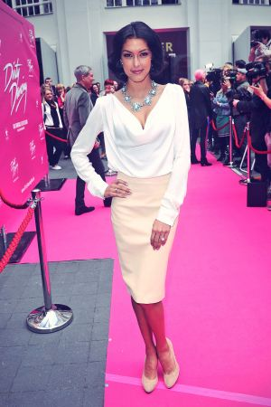 Rebecca Mir attends Dirty Dancing Das Orginal premiere live