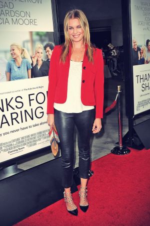 Rebecca Romijn attends Thanks for Sharing premiere