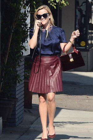 Reese Witherspoon goes to a Skincare Facility